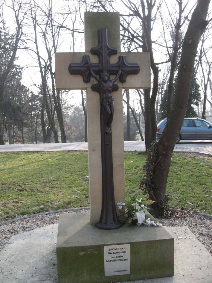 Spomienka na kaplnku svätého Jána Nepomuckého - kríž