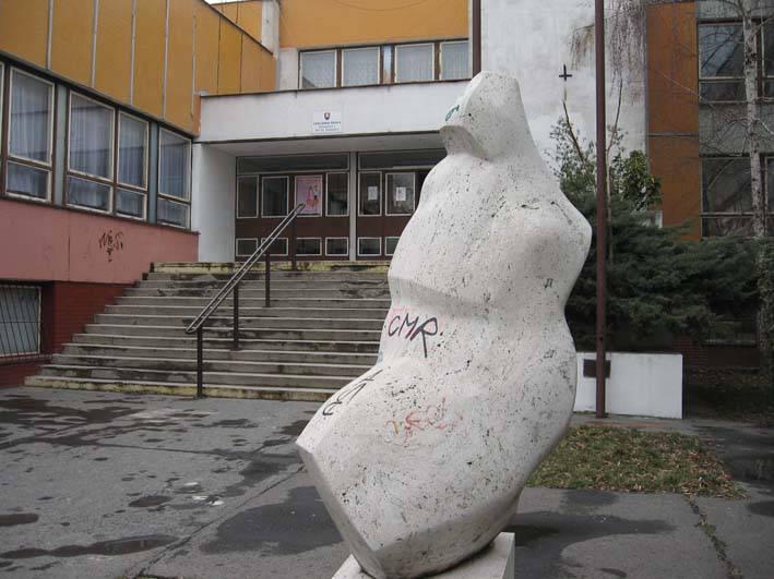 Biely kameň