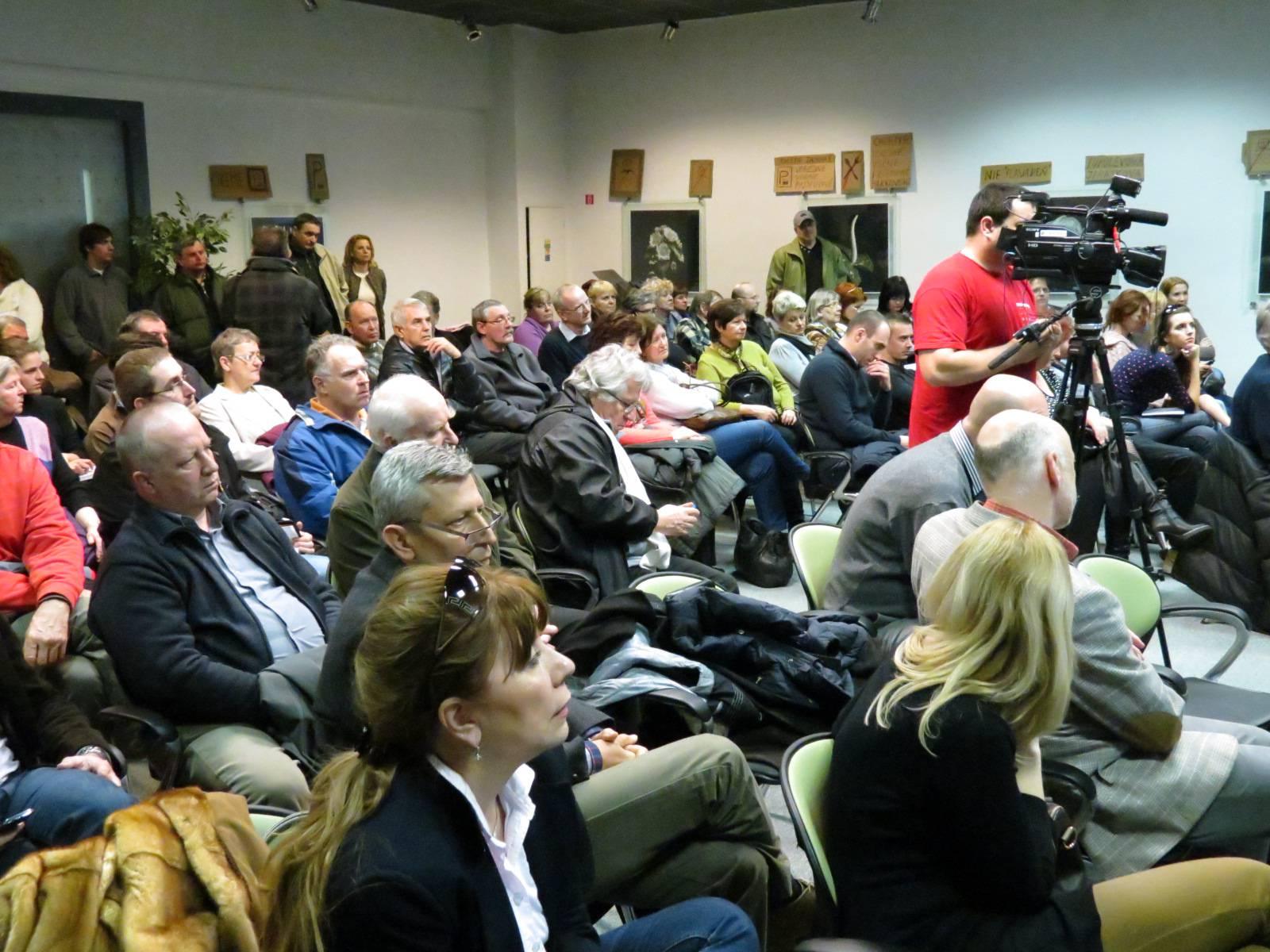 foto_verejna_prezentacia (5)
