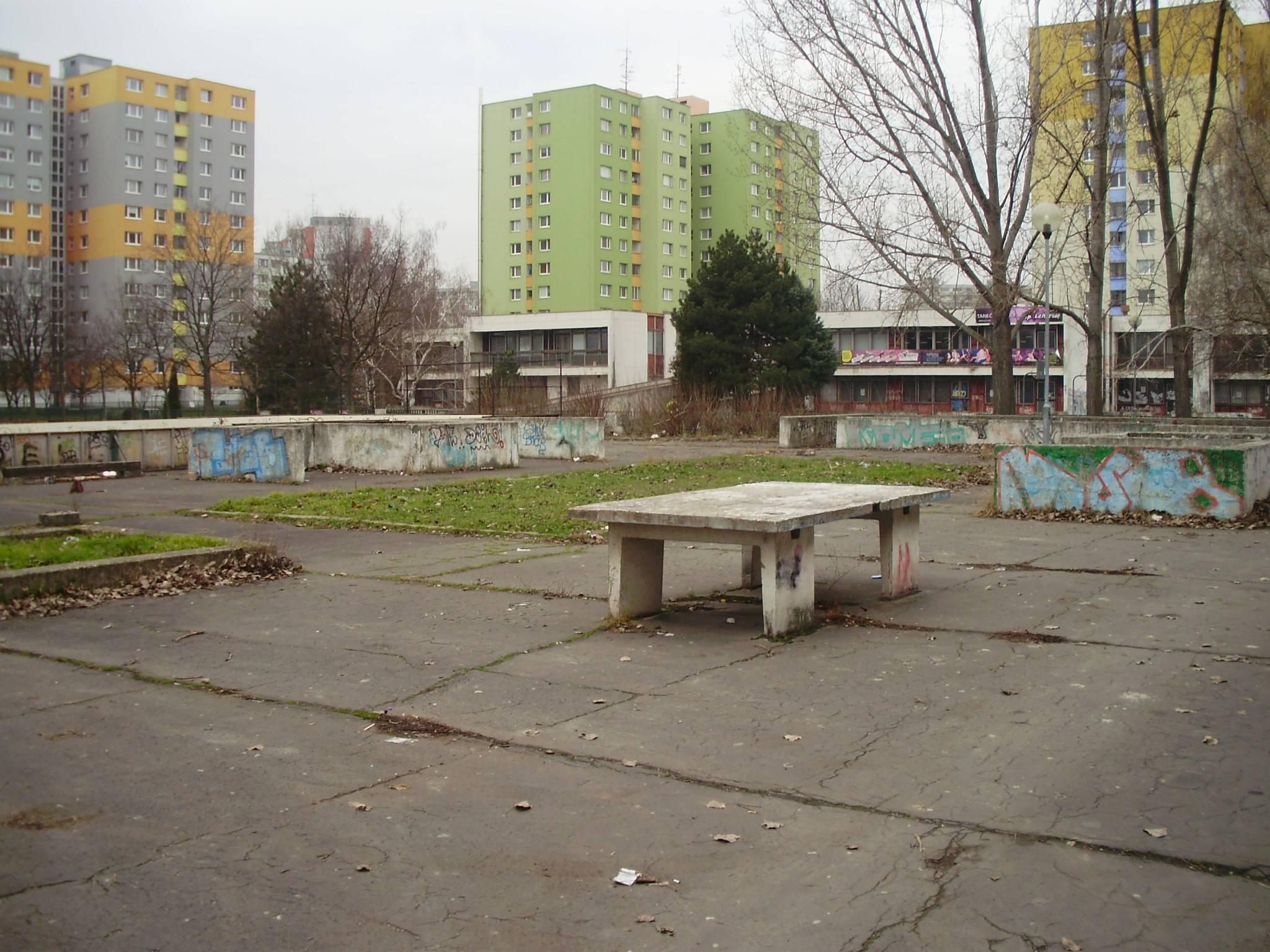 Športovisko Hrobakova 25a pred rekonstrukciou