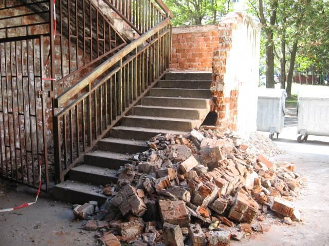 Schodisko Znievska 15 pred rekonštrukciou